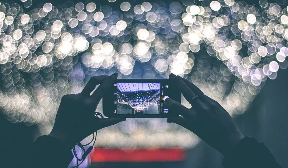make videos with phone horizontal shot